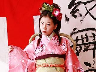 Japanese housewife Ran Monbu is cheating, uncensored