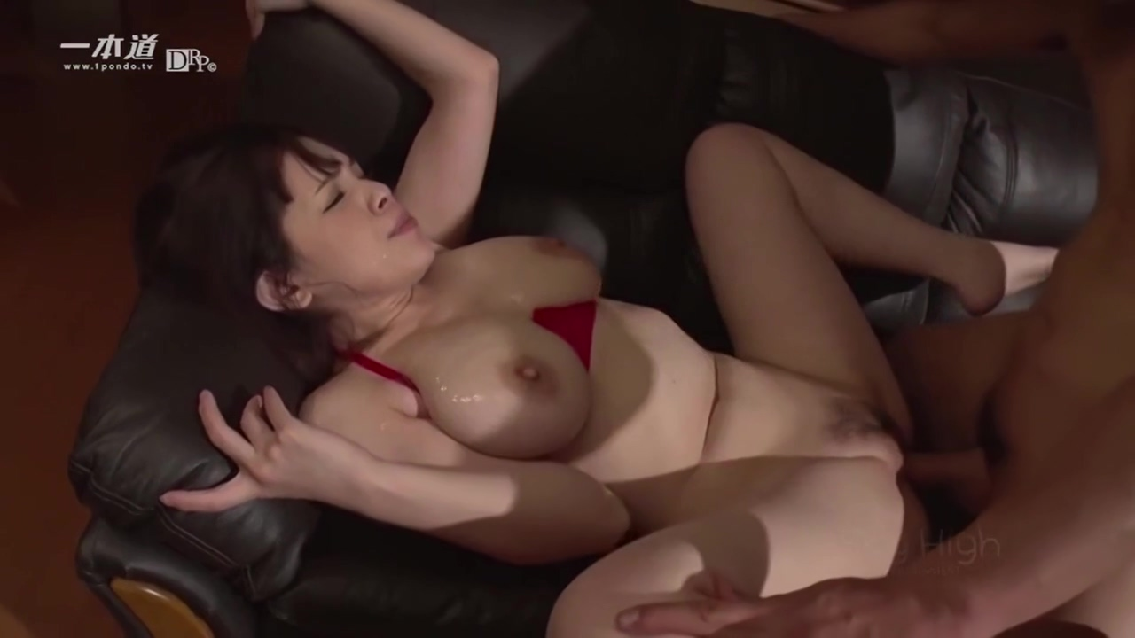 Hairy Cunt Big Natural Titty Jav Loves Men And Takes Creamp